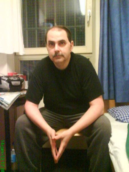 le_prisonnier-politique_axel-moeller-dans-sa-cellule