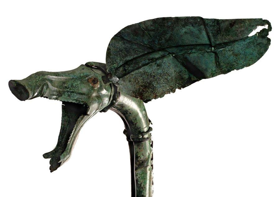 Détail d'un instrument de musique gauloise, un pavillon de carnyx (trompette de guerre) du Ier siècle avant notre ère découvert en 2004 dans le sanctuaire de Tintignac à Naves (Corrèze).