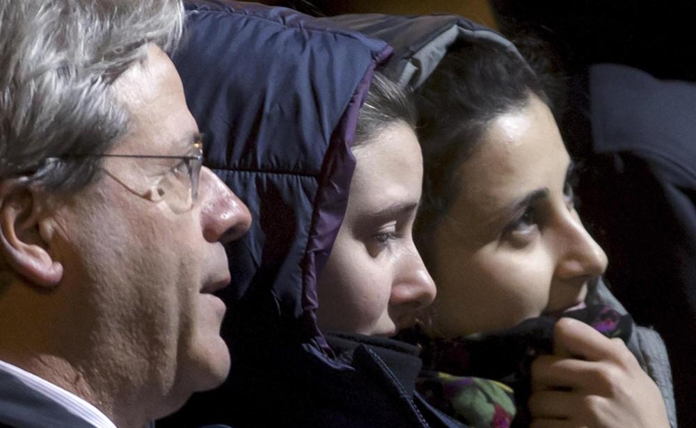"""Vanessa et Greta après leur """"libération""""."""