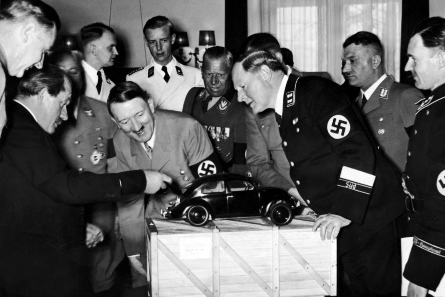 Démocratie, ouverture et liberté : la présentation de la première Volkswagen :