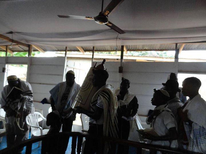 'Pendant ce temps malgre la Shoa, la vie juive continue en Afrique'
