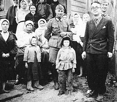 Robert Brasillach, lors de son voyage en 1943 en Russie.