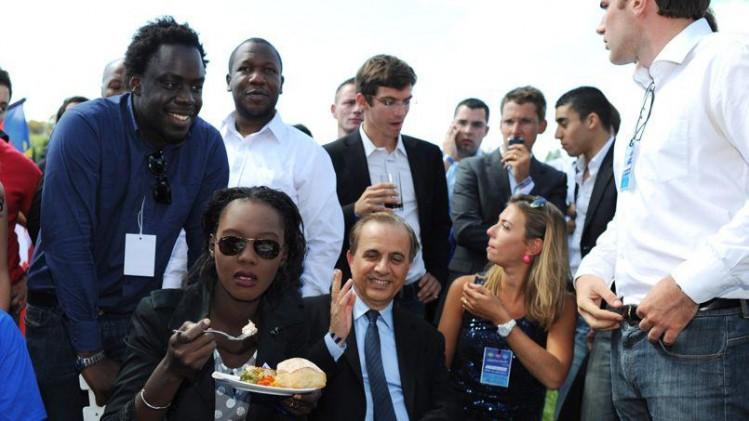 Photo de famille à l'UMP : dans le désordre : Roger Karoutchi, Ramatoulaye Yade-Zimet, Stéphane Tiki et quelques autres républicains exemplaires à naturaliser.