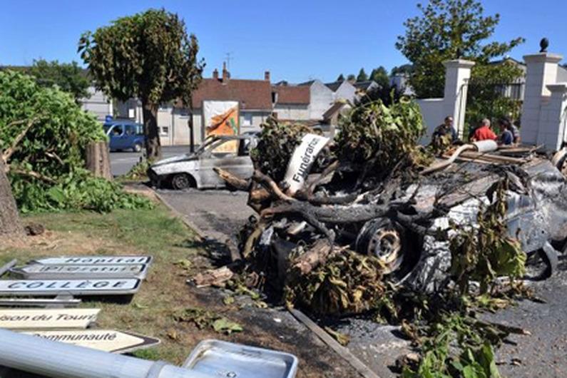 À Saint-Aignan, après le passage de criminels.