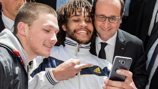 Diversité - FRançois Hollande en Suisse