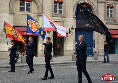 Les drapeaux des délégations étrangères