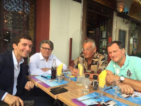 Julien Sanchez, maire FN de Beaucaire, Gilbert Collard, député RBM, Jean Roucas, humoriste en représentation sur place et Louis Aliot, compagnon de Marine Le Pen