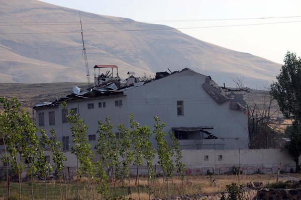 Vue générale de la gendarmerie de Karabulak