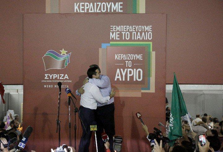Tsipras et Kammenos ont sauvé leur poste au gouvernement