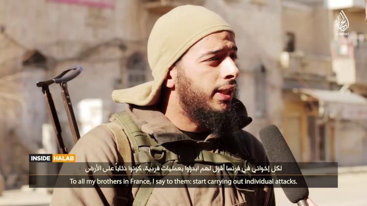 Salim Benghalem, dans une vidéo de l'État islamique diffusée en février dernier.