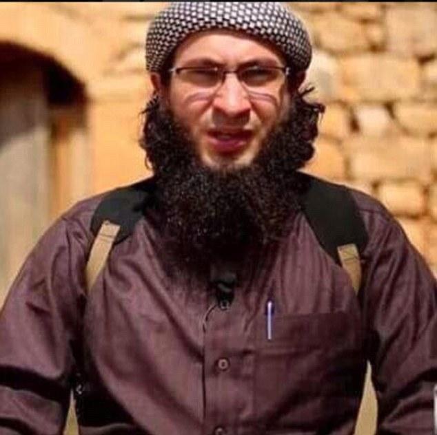 2DBC7D2900000578-3287566-Senior_commander_al_Nusra_commander_Abu_Sulaiman_al_Misri_had_pr-m-5_1445704502735