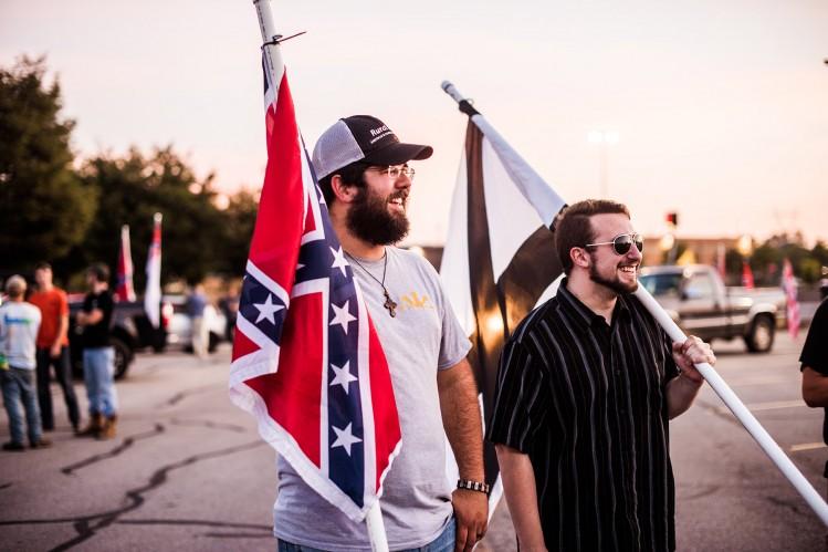 Le mouvement s'est mobilisé pour défendre le drapeau sudiste