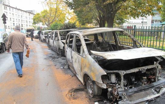 Voitures incendiées à Vitry-sur-Seine. DR