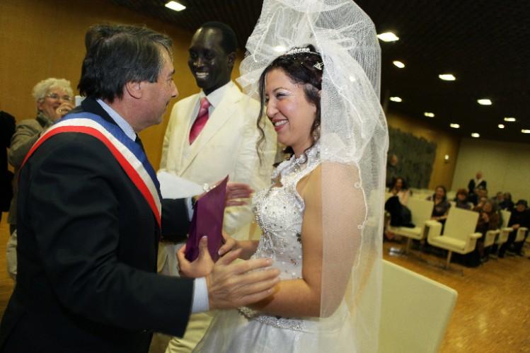Mariage de Linda El Haddad et Amar Thioune, en présence de Michel Destot.