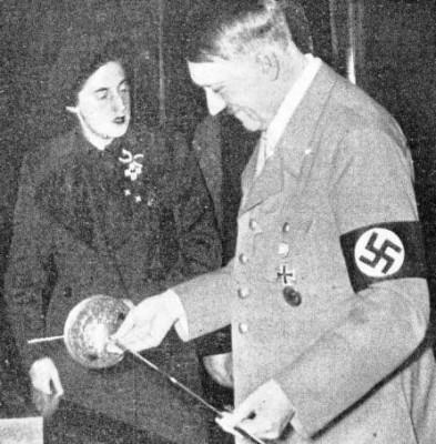 Épée de Ferdinand Le Catholique offerte par Pilar Primo des Rivera au Führer