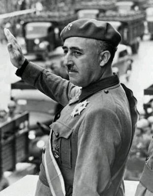 Espagne_Francisco_Franco_salut