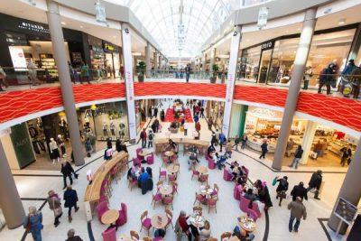 Pays-Bas_envahisseurs_shopping