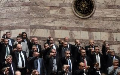 aube-doree-le-17-mai-2012-au-parlement-grec-a-athenes