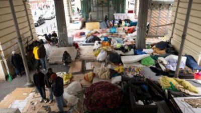 migrants-du-camp-de-stalingrad-paris_