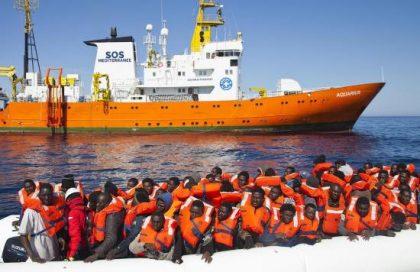 Invasion migratoire : la complicité active des traîtres « humanitaires », des États et de l'UE