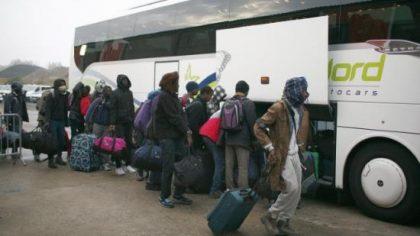 Villeblin : le préfet de leur république impose les « migrants » et doit quitter la salle sous escorte