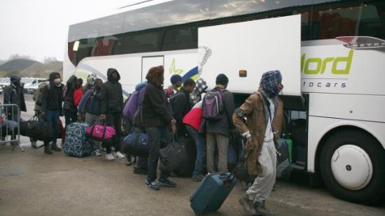villeblin-le-prefet-de-leur-republique-impose-les-migrants-3