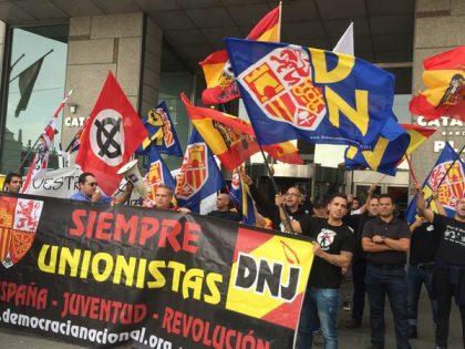 Espagne : Les nationalistes brûlent des drapeaux catalans (vidéo)