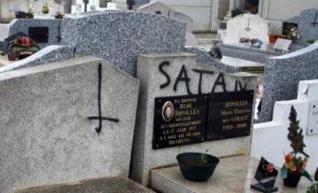 Les actes antichrétiens en hausse de 245 % en 8 ans dans l'indifférence des pouvoirs publics