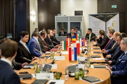 L'Europe centrale et balkanique en lutte contre les oligarchies capitalistes
