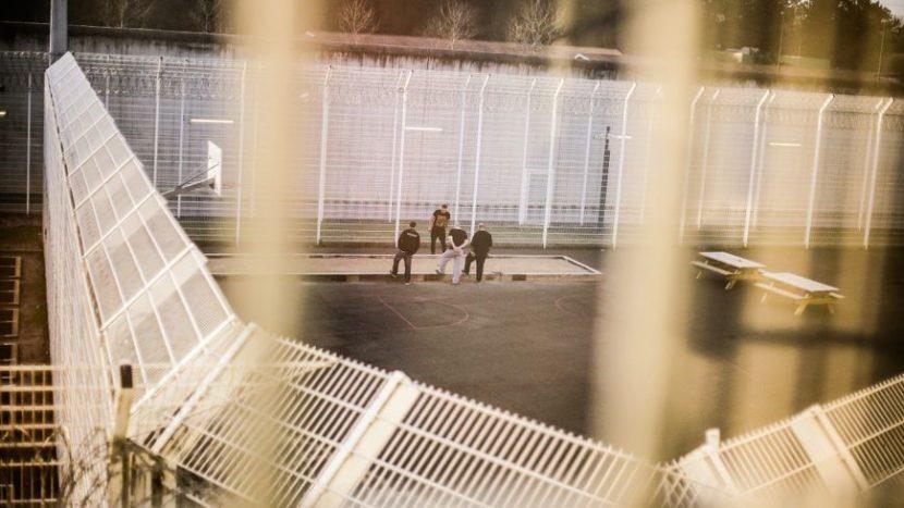 Le gouvernement envisage d'autoriser des détenus à voter en prison aux législatives