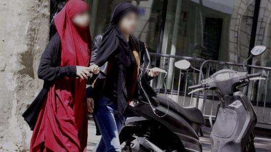 Voiles, kippas, burqas : état des lieux de la pénétration des mœurs étrangères en Europe