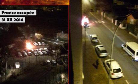 Pendant que les voitures des Français brûlent, Hollande combat «l'antisémitisme»