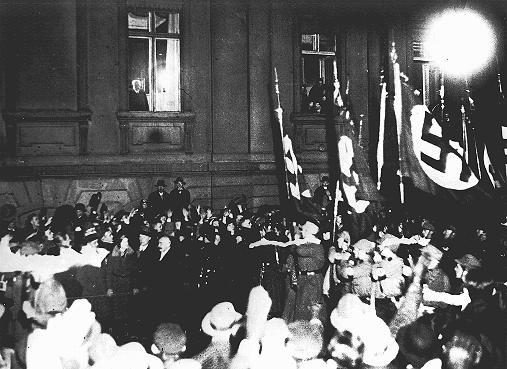 30 janvier 1933 : Adolf Hitler devient chancelier d'Allemagne