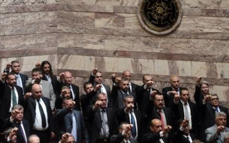 6 mai 2012 : Aube Dorée fait élire 21 députés