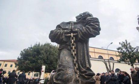Albanie : béatification de 38 martyrs de la foi et condamnation des persécutions communistes