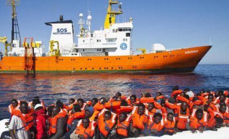 Bataille navale en Méditerranée sous les yeux de la Royale