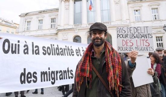 À Nice, l'État impuissant contre le traître Herrou tente de faire taire ceux qui dénoncent l'invasion
