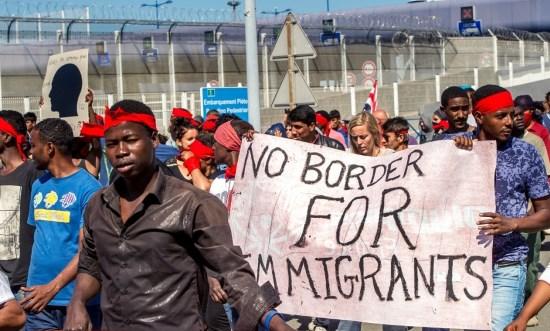 Calais : le gouvernement écarte les règles européennes pour favoriser l'invasion