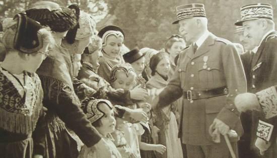 25 mai 1941 : Hommage rendu par l'État Français à la Maternité