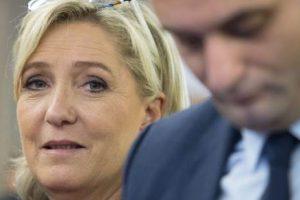 Chronique de la décomposition du FN : Philippette s'éjecte !