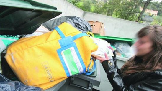 Décomposition du Front national : des milliers de contacts jetés à la poubelle