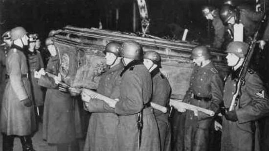 15 décembre 1940 : restitution du corps de l'Aiglon par l'Allemagne