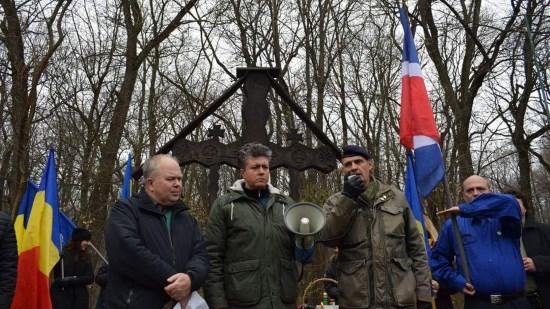 Délégation du PNF et Jeune Nation aux cérémonies en mémoire de Codreanu à Tancabesti (photos)