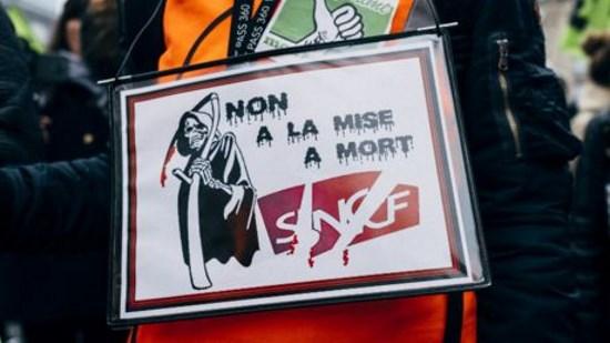 À la SNCF aussi, « Politique d'abord »